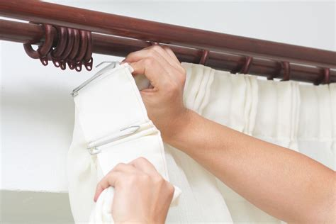 How to Hang and Pick The Perfect Drapes